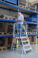 Steigtechnik Aluminium-Podestleitereinseitig einseitig begehbar Stufen 7
