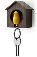 Qualy Sparrow (braunes Haus) - gelb