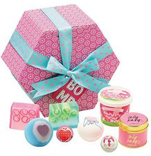 Bomb Cosmetics Hut Box Set