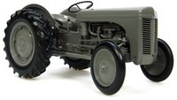Universal Hobbies Massey Fergusson TEA 20 (2690)