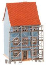 Faller Stadthaus mit Malergerüst (232331)