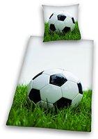 Herding Bettwäsche Fußball auf Wiese (80 x 80 + 135 x 200 cm)